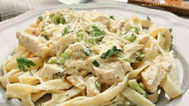 تصویر طرز تهیه اسپاگتی با مرغ و قارچ