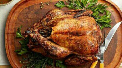 تصویر طرز تهیه مرغ شکم پر مجلسی