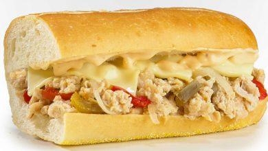 تصویر طرز تهیه ساندویچ سوسیس انجوی پنیری