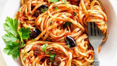 تصویر طرز تهیه اسپاگتی آلا پوتانسکا ایتالیایی خوشمزه و رژیمی با ماهی