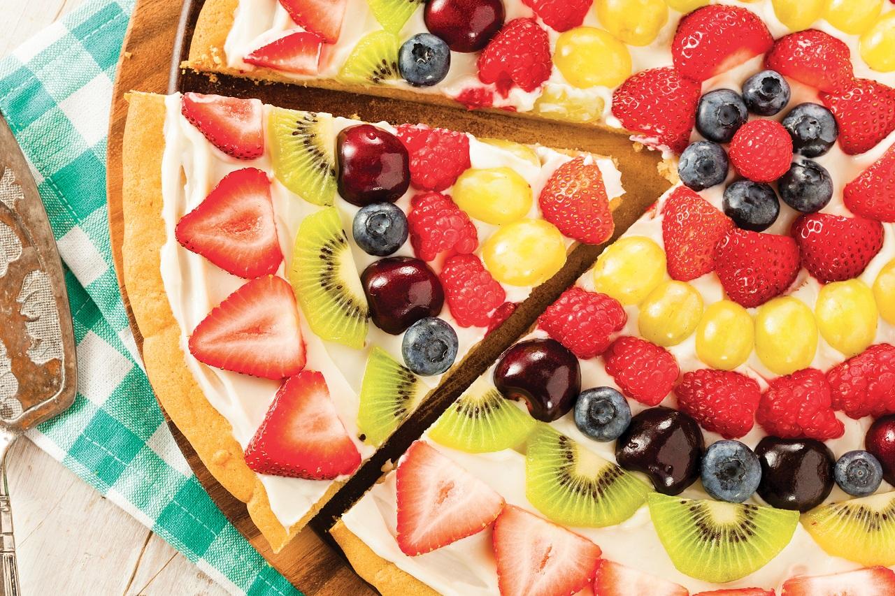 طرز تهیه پیتزای شیرین میوهای